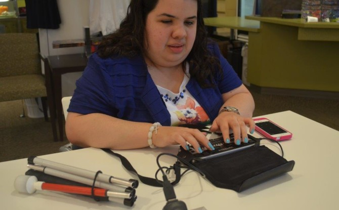 What Are Some of the Assistive Technology Products That Can Help College Students?