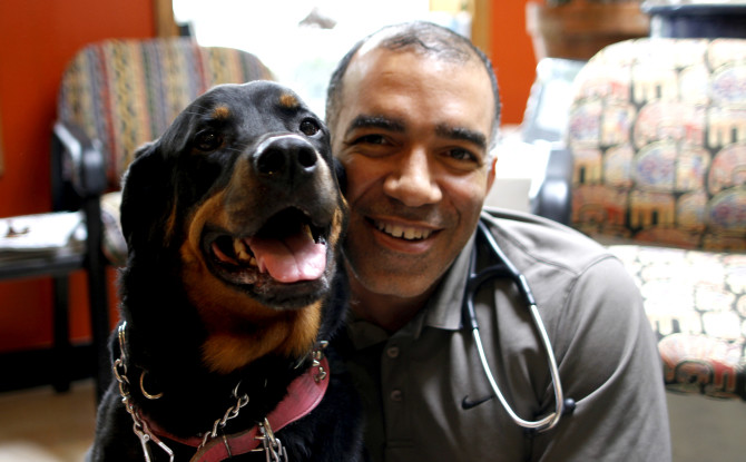 Local Vet Provides Free Care to Dog Owners Who Are Blind