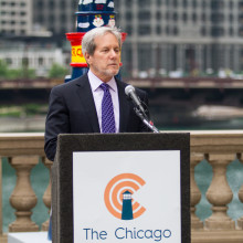 Board Members Discuss Lighthouses on Mag Mile Auction on WGN Radio image
